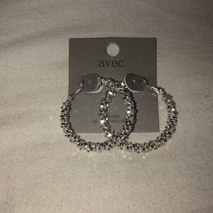 Sliver hoop earrings